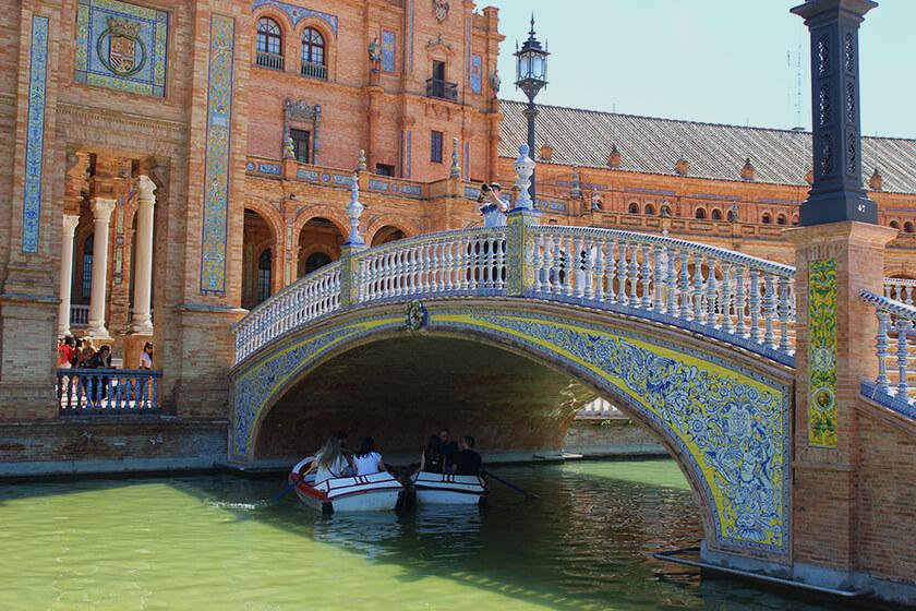 plaza de espana siviglia giro in barca